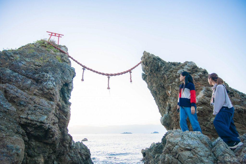 野母崎の観光スポット夫婦岩